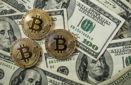 Стоимость биткоина превысила 10 000 долларов