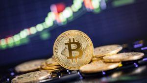 Впервые за два года цена биткоина удерживается выше $10 000 в течение 29 дней